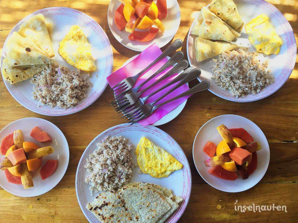 tropisch exotisch frühstücken omelett essen